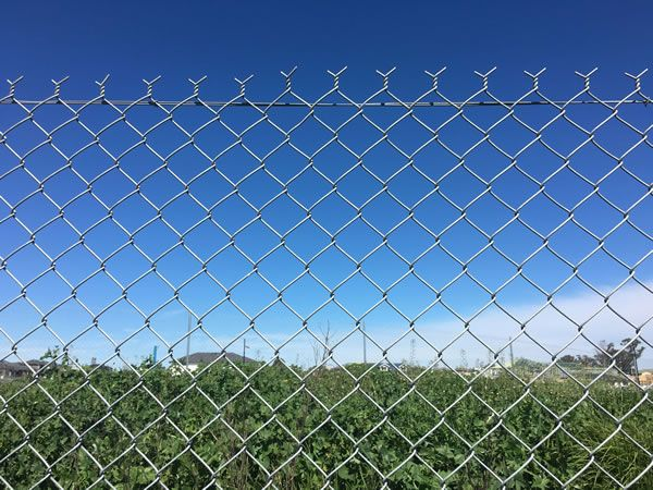 Galvanized Chain-Wire Fencing